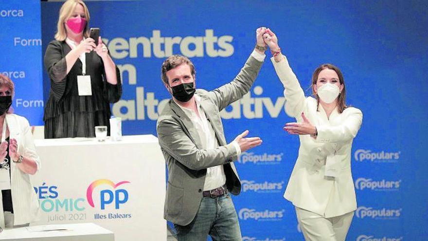 Marga Prohens asume el mando del PP balear con el apoyo de la cúpula nacional