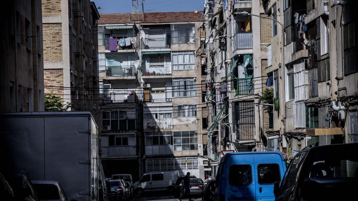 Una calle localizada en el barrio de Juan XXIII, en la ciudad de Alicante.