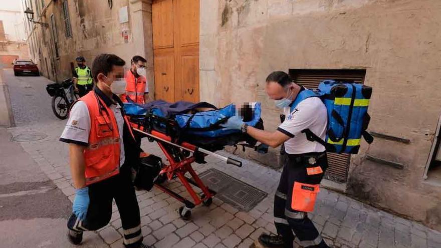 Rescatan al operario que cayó en un aljibe de un hotel del centro de Palma