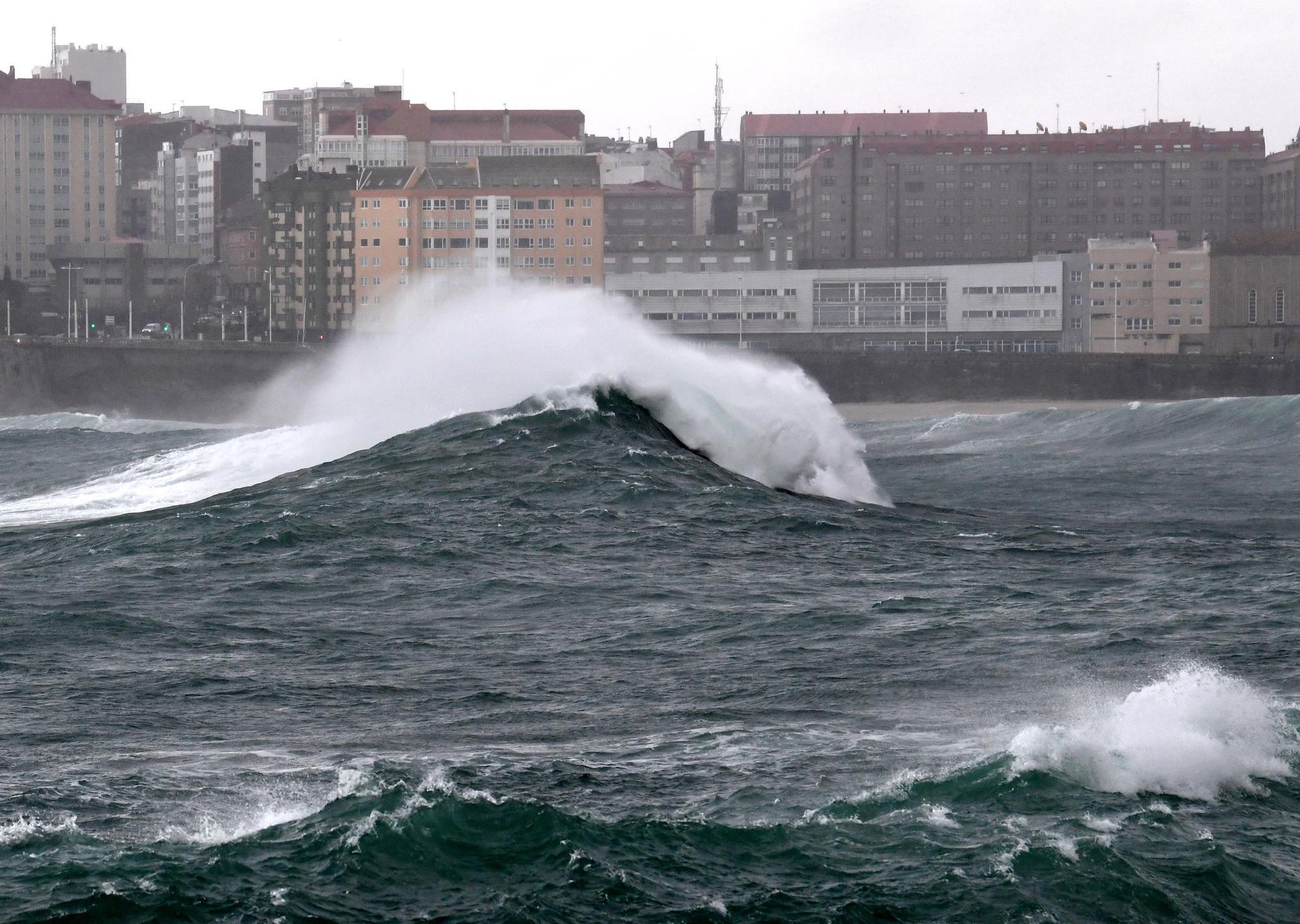 La borrasca 'Bella' azota A Coruña