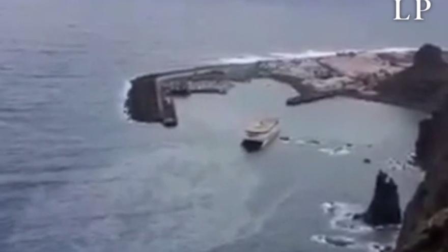 Activan un comité de emergencia para evitar vertidos al mar del barco encallado