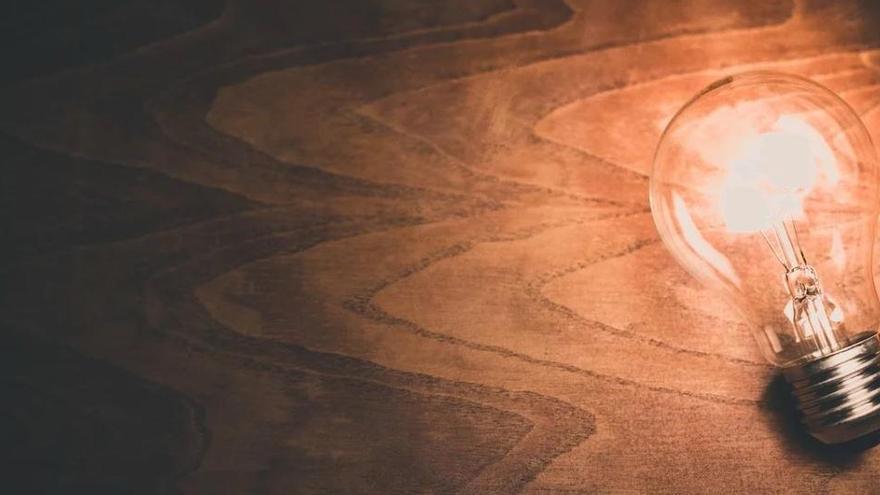 La factura de la llum va pujar gairebé 11 euros al març respecte al mateix mes de l'any passat