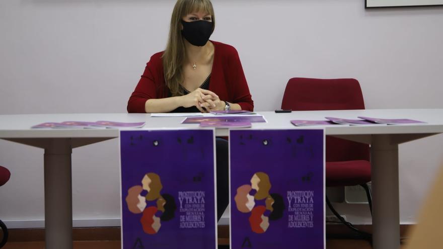 El IAM aborda los problemas de salud de las mujeres víctimas de trata en una guía
