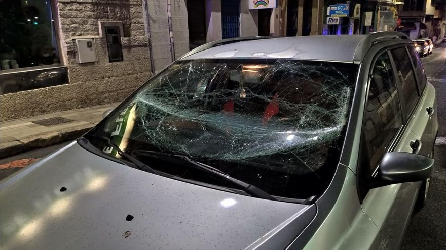 La Policía intercepta un vehículo que circulaba con el parabrisas roto por las calles de Alicante