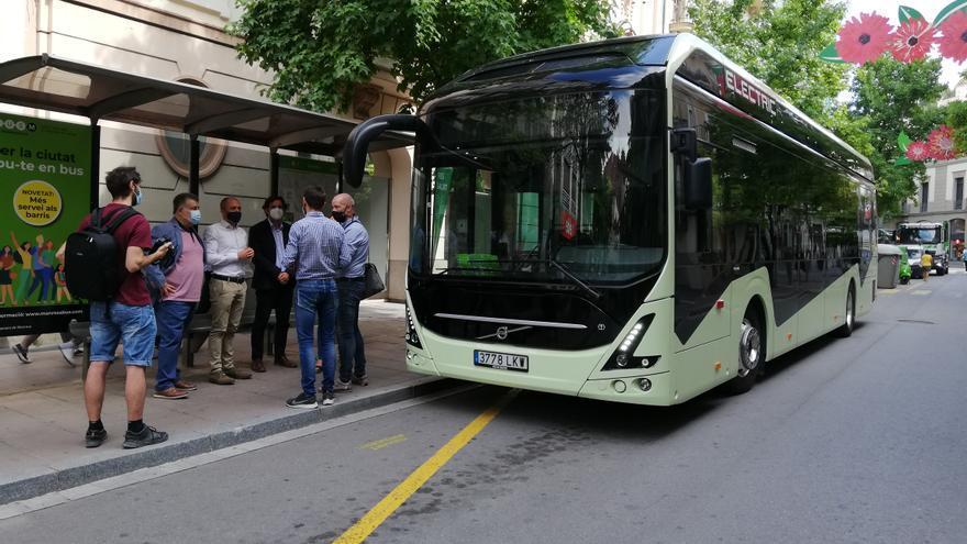L'Ajuntament anuncia que l'any vinent els busos urbans que circularan per Manresa seran tots elèctrics o híbrids