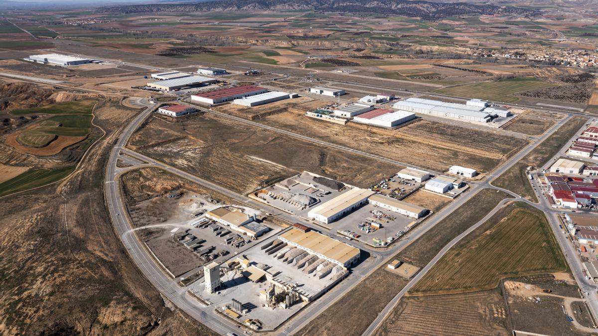 A dos kilómetros del aeródromo se levanta la Plataforma Logística de Teruel.