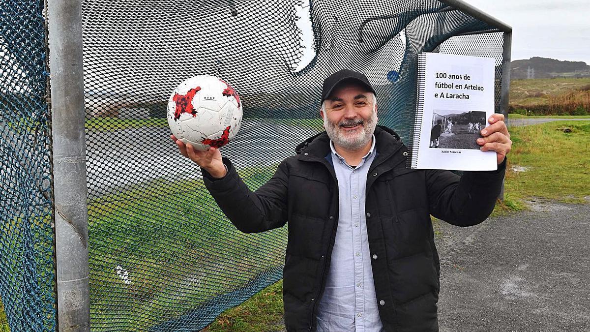 Xabier Maceiras, onte no campo de fútbol do Rañal.   | // VÍCTOR ECHAVE
