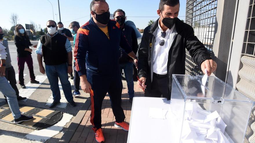 Los trabajadores de Latbus ponen fin a la huelga