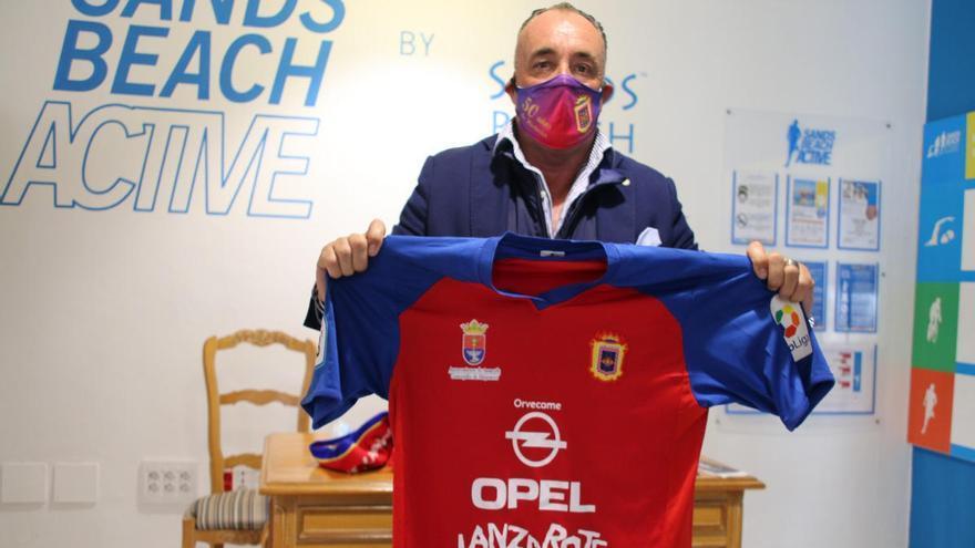 Josu Uribe fue presentado como nuevo entrenador de la UD Lanzarote