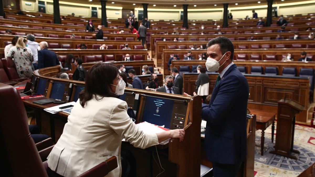 Adriana Lastra y Pedro Sánchez en el Congreso