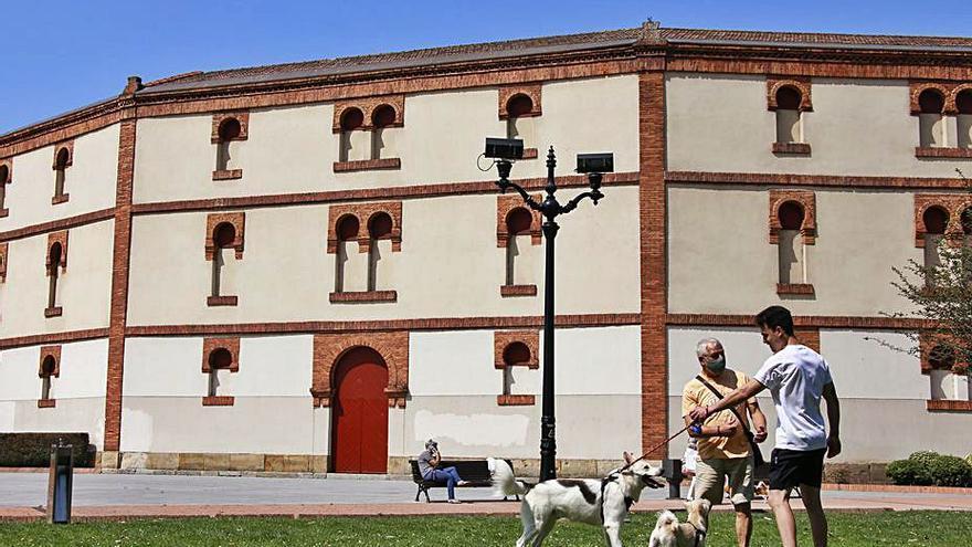 De la feria taurina a El Molinón y el Acuario: gestión por concesión de espacio municipal