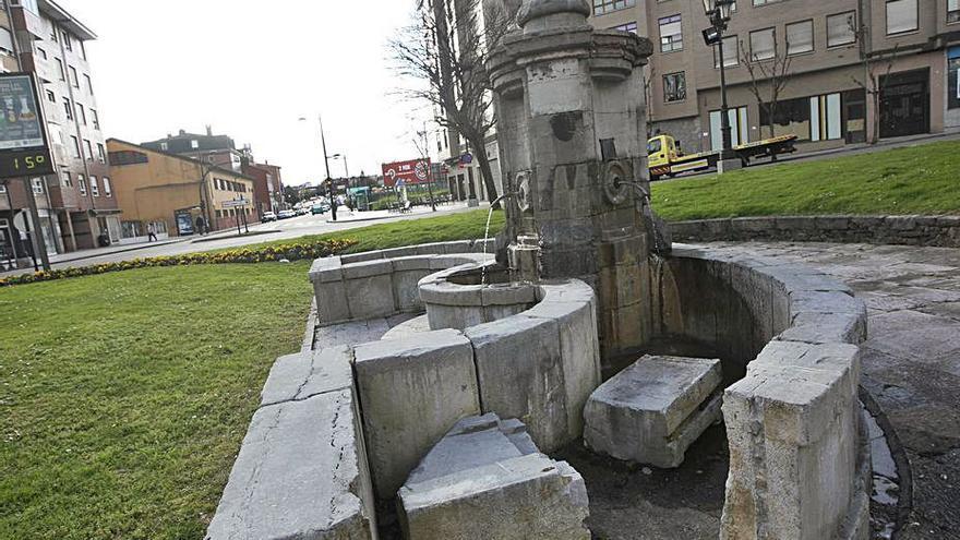 Oviedo espera el permiso de Patrimonio para rehabilitar la fuente de Cuatro Caños