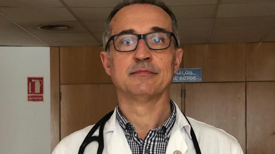 """El Hospital de A Coruña, en """"situación crítica"""" y con jóvenes ingresados por COVID"""