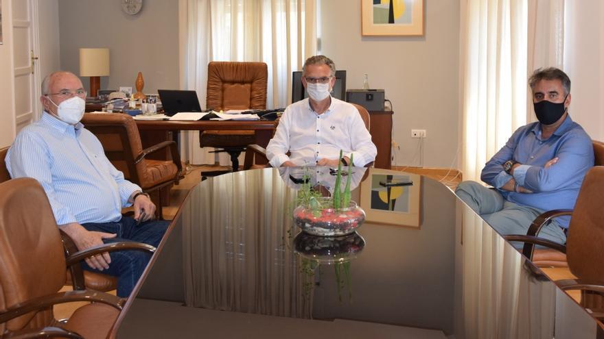 El presidente del Badajoz, interesado en invertir en Don Benito