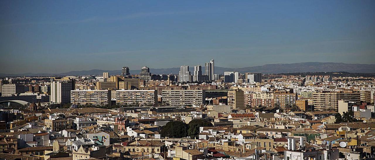 El ayuntamiento ha puesto al cobro 681.203 recibos de viviendas y locales. | F. BUSTAMANTE