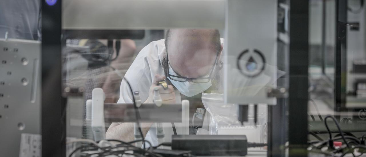 Laboratorio de Microbiología de Son Espases.
