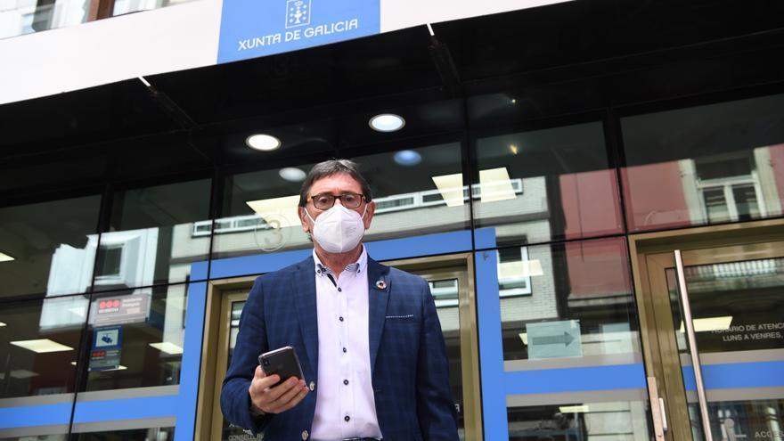 Un senador del PSOE amaga con encerrarse en la sede coruñesa de Sanidade para que lo vacunen contra el COVID