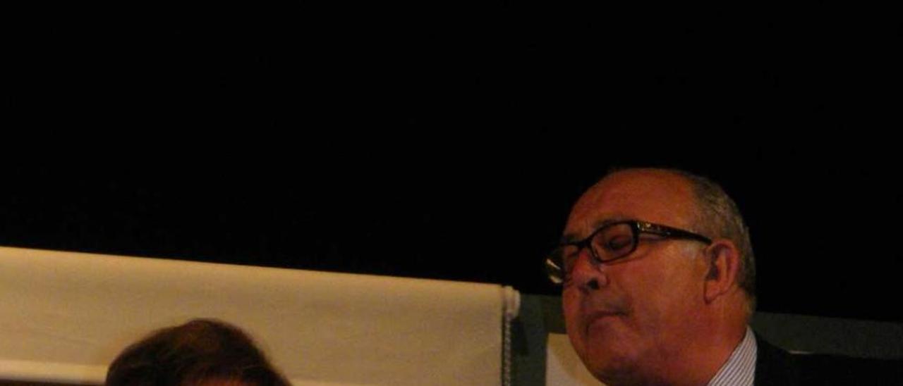 """Carmen Campo y José Ángel del Río, en """"Paraíso fiscal"""". g. bengoa"""