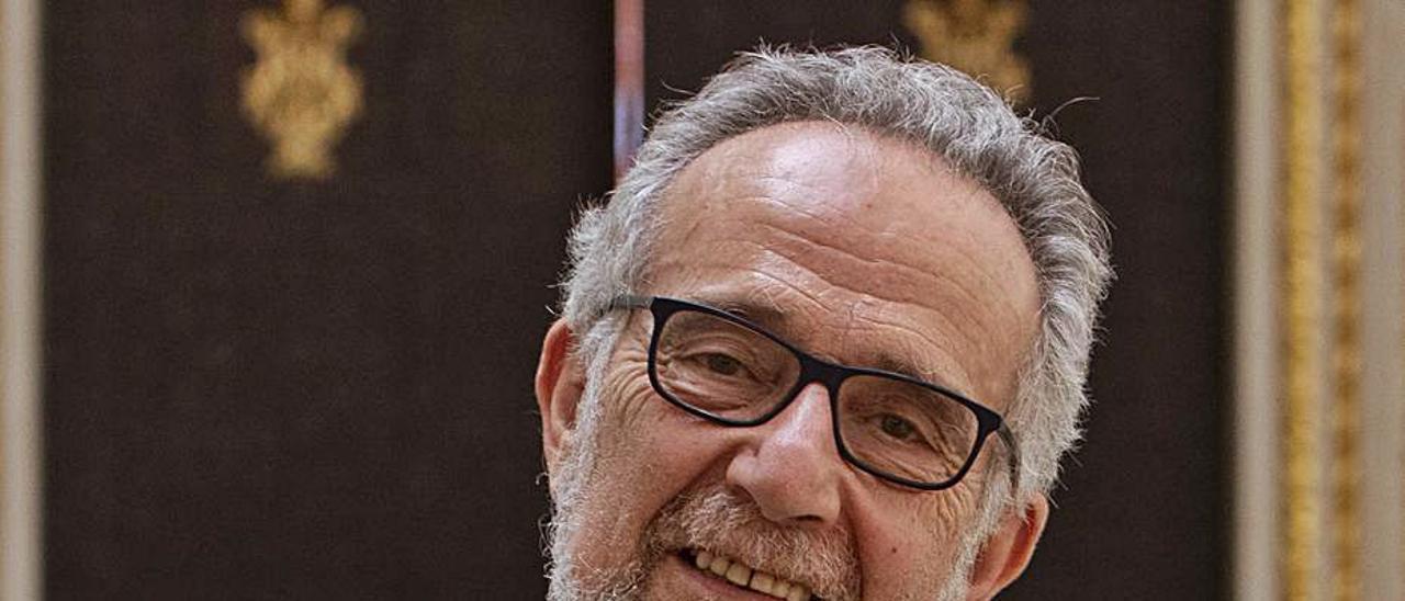 Arrojo en su visita al Ayuntamiento de Alzira.  | PERALES IBORRA