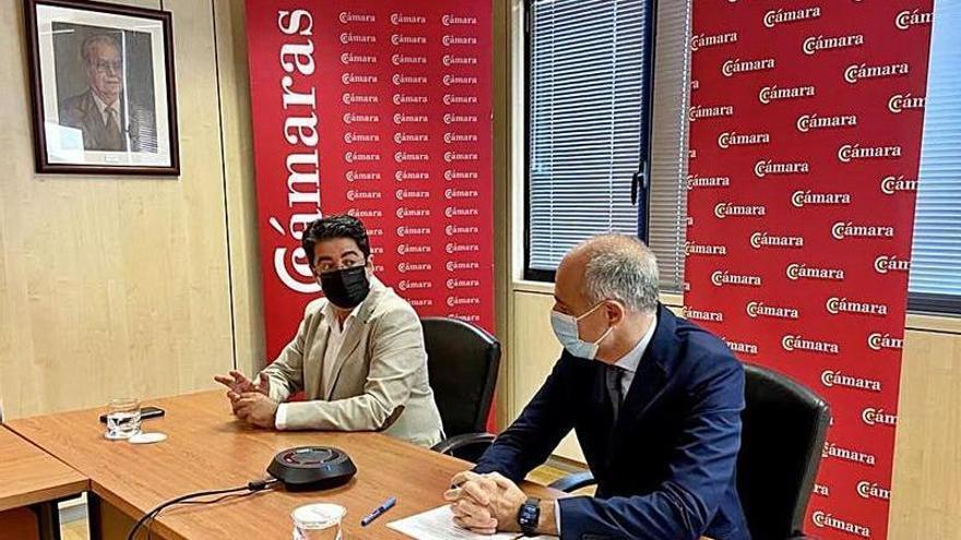 La Cámara provincial y el Cabildo analizan la situación económica de Tenerife