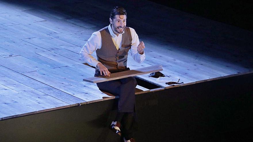 """Juan Diego Botto repite """"Una noche sin luna"""" en el teatro Jovellanos"""