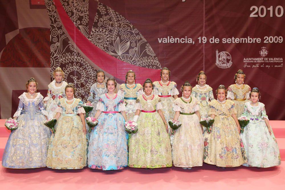 Corte 2010. Ariadna Galán está en primer término, la segunda por la izquierda.