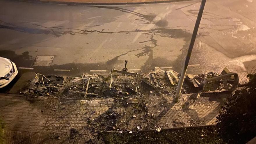 Investigan la quema de varios contenedores en tres barrios de Gijón