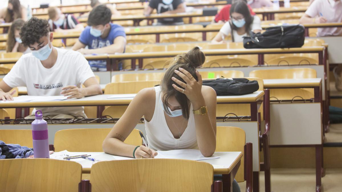 Examen de selectividad en la UA, imagen de archivo.
