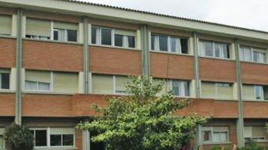 Malestar en Posada por los problemas de transporte en el colegio Valdellera