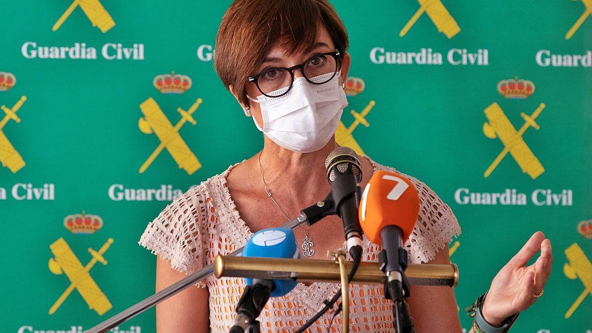María Gámez, directora general de la Guardia Civil, confirma que la botella de oxígeno y la funda nórdica son de Tomás Gimeno.. | |