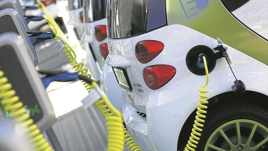 El automóvil teme un plan de ayudas solo para los eléctricos