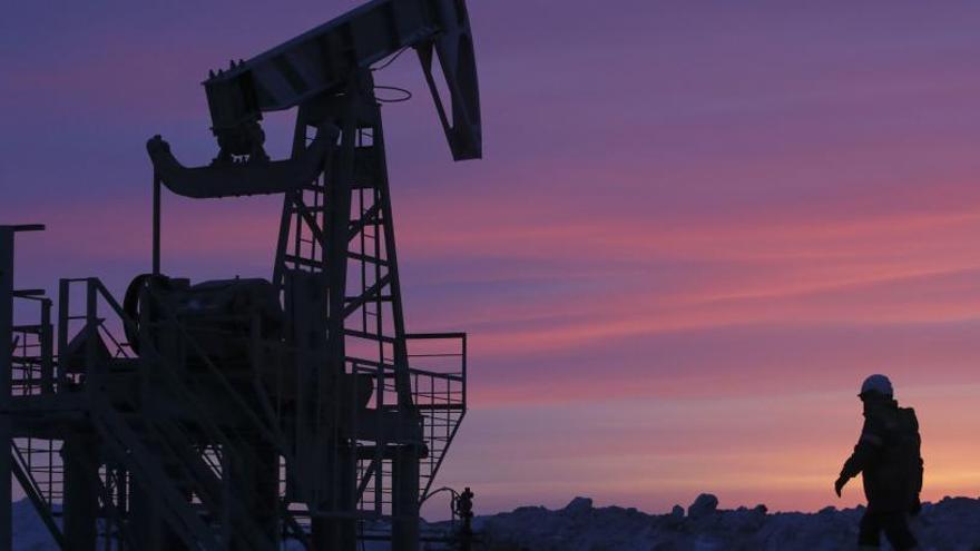 La OPEP reduce un 19% el crecimiento de demanda de crudo por el coronavirus