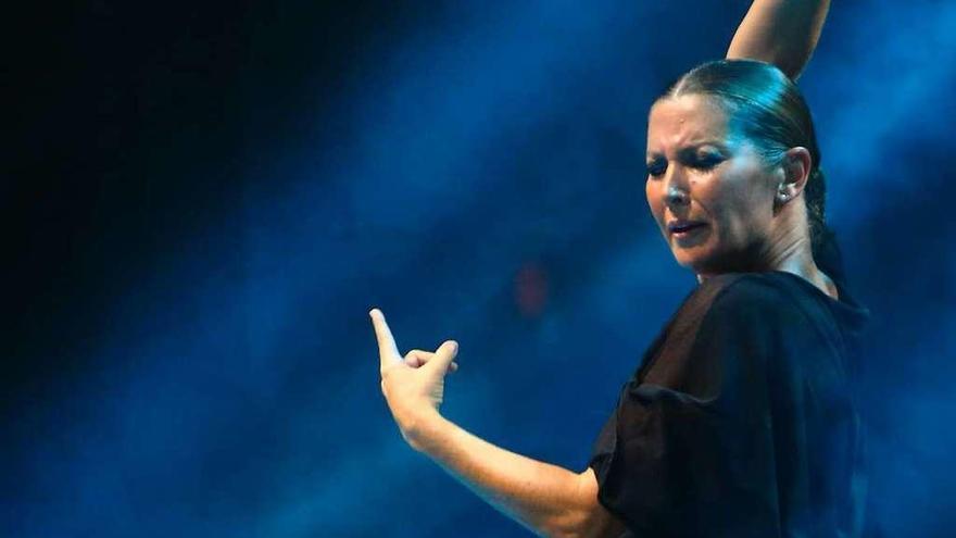 La magia y la fuerza del flamenco de Sara Baras cautivan en Gijón