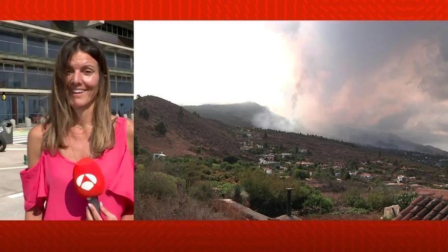 La meteoróloga canaria de Antena 3, Himar González, boquiabierta ante la histórica erupción de La Palma