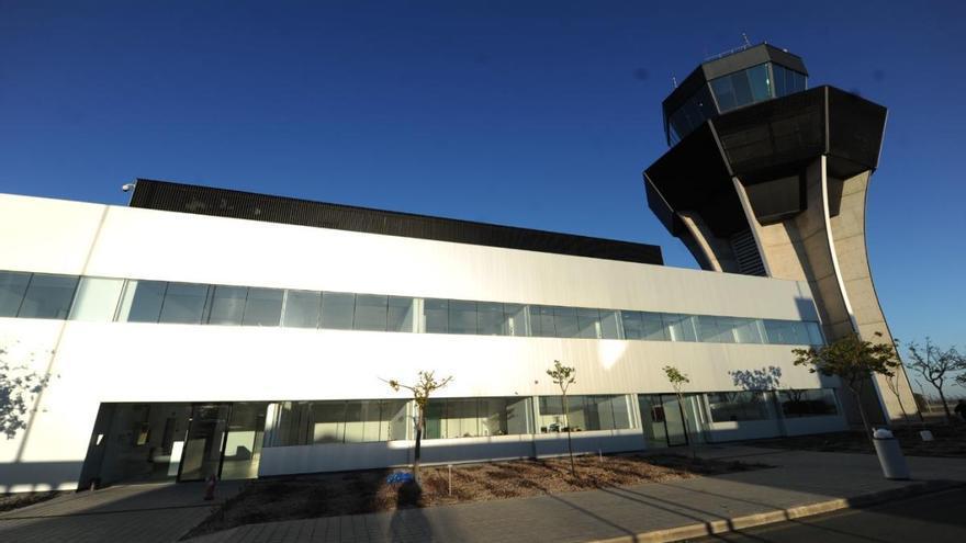 El Ministerio firma el cambio de nombre del aeropuerto: se llamará Juan de la Cierva