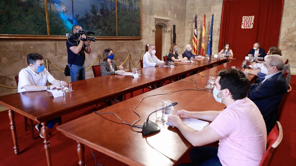 March y Armengol reunidos con la permanente del Consell Escolar