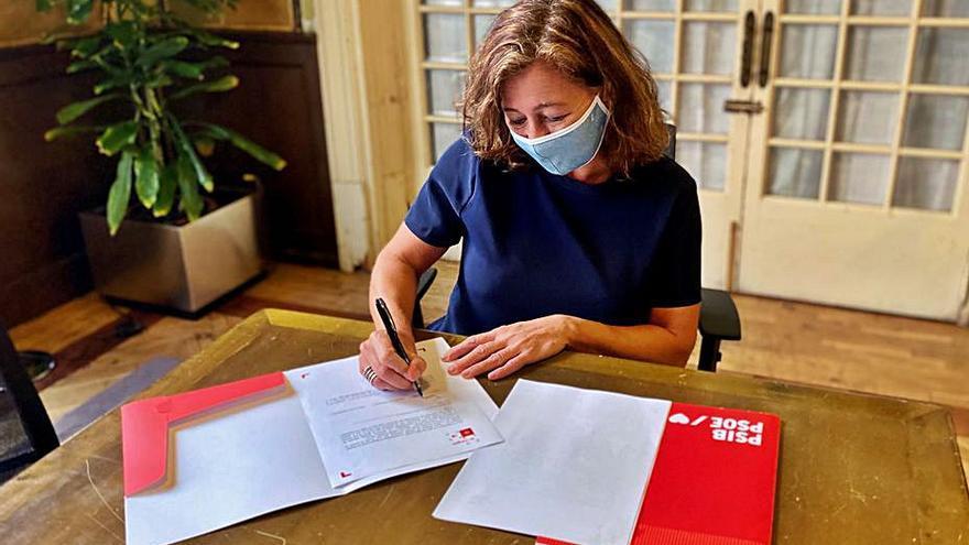 Armengol y Cladera firman su inscripción para liderar el PSIB