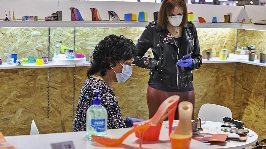 EE UU da una tregua al calzado: aplaza la subida de los aranceles seis meses