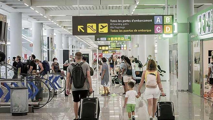 La movilidad interna se lleva por delante al turismo internacional