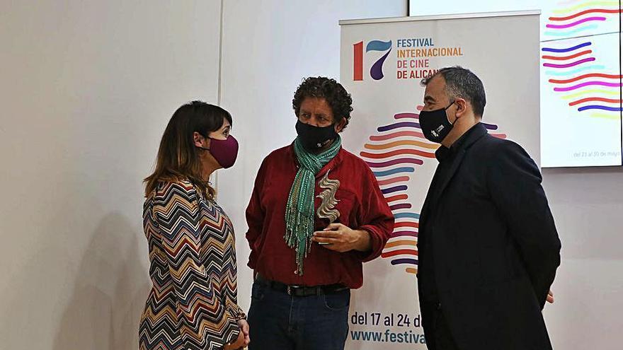 Pedro Casablanc recibe su premio