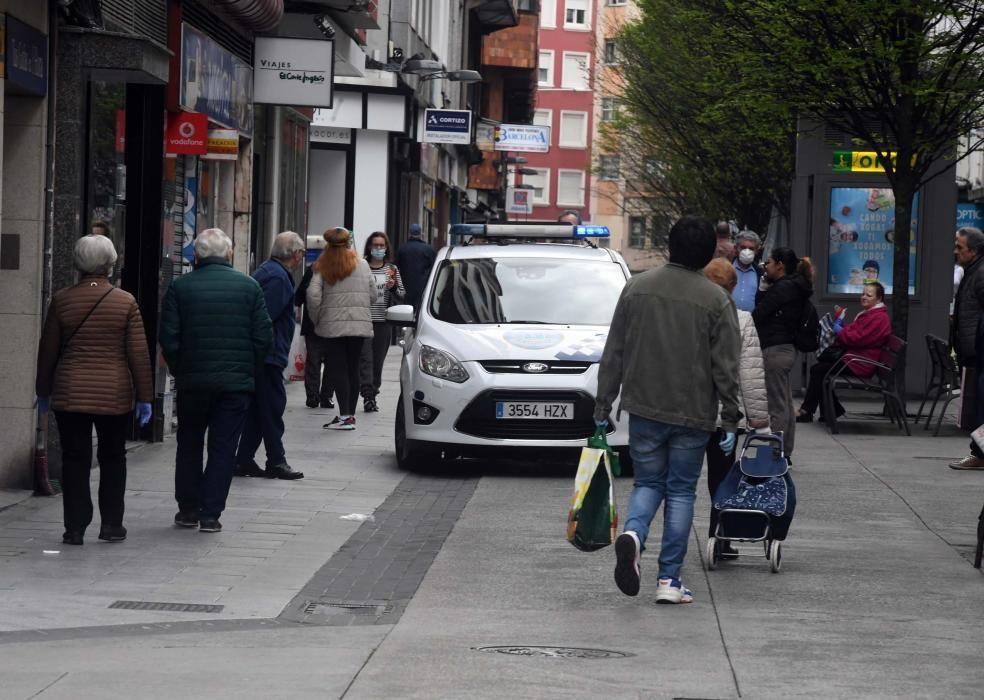 Así fue el paseo de los mayores en A Coruña