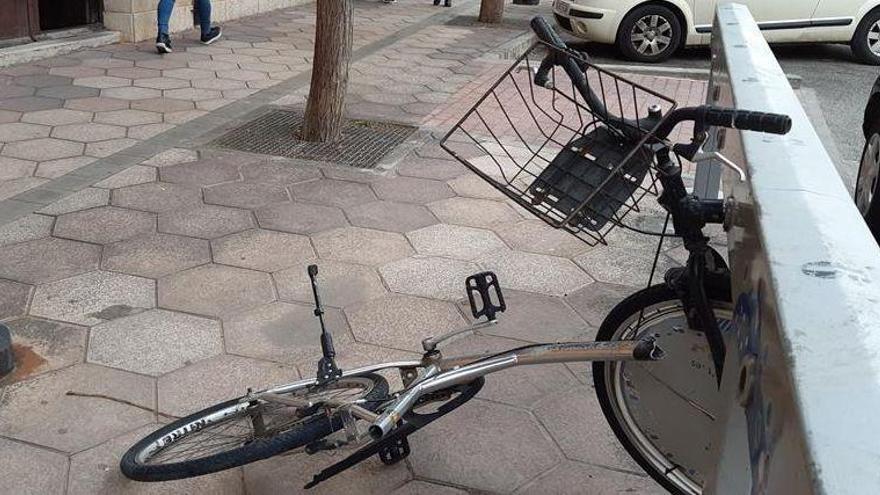 Nuevos actos vandálicos dejan 'KO' el servicio municipal del BiciVila't
