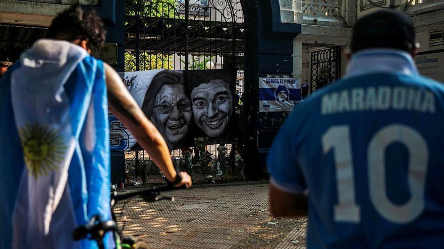 """Asturianos en argentina testigos del adiós de Maradona: """"Fue leyenda, el país está conmocionado"""""""