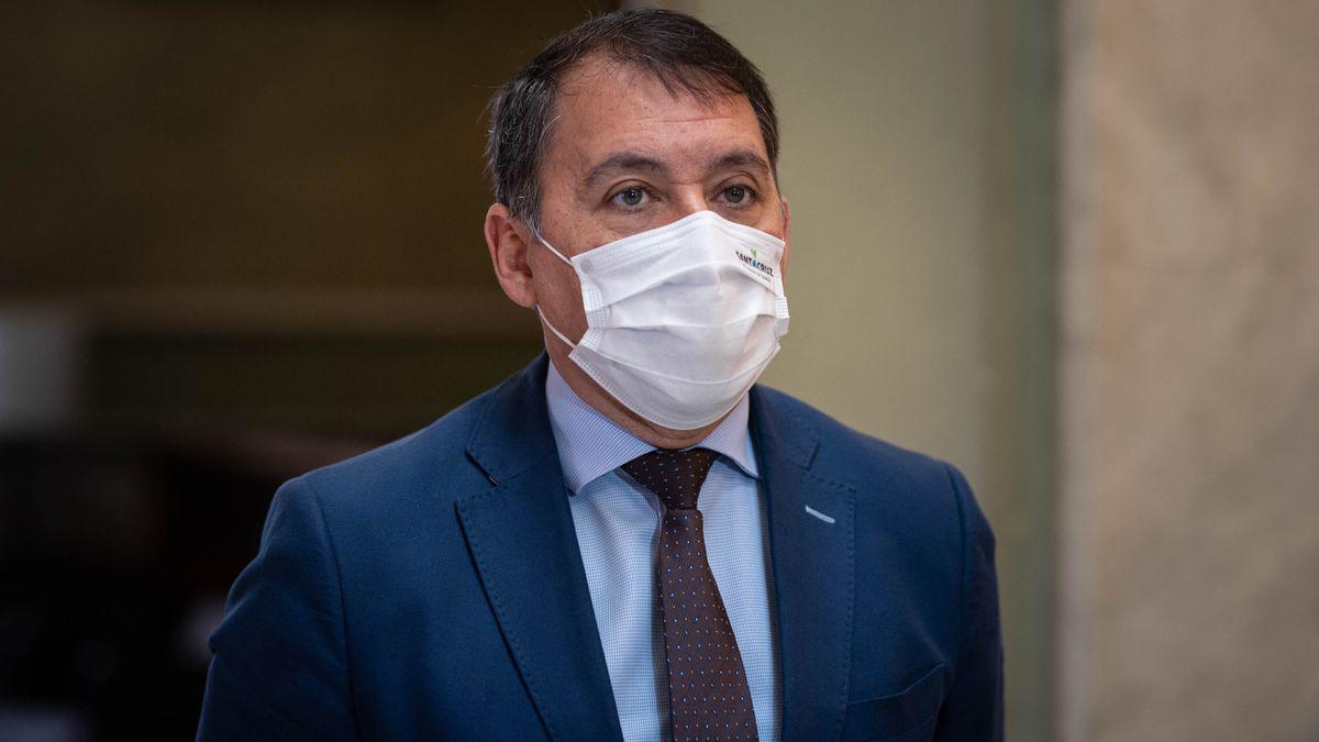 El alcalde de Santa Cruz de Tenerife, José Manuel Bermúdez, con mascarilla.