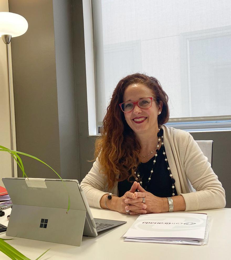 María Tur: «Ca'n Granada destina diez viviendas para alojamiento de estancias especiales de recuperación»