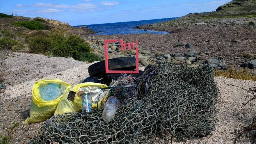 Doña Sofía participará en la playa de la Almadraba de Alicante en una campaña contra la basuraleza