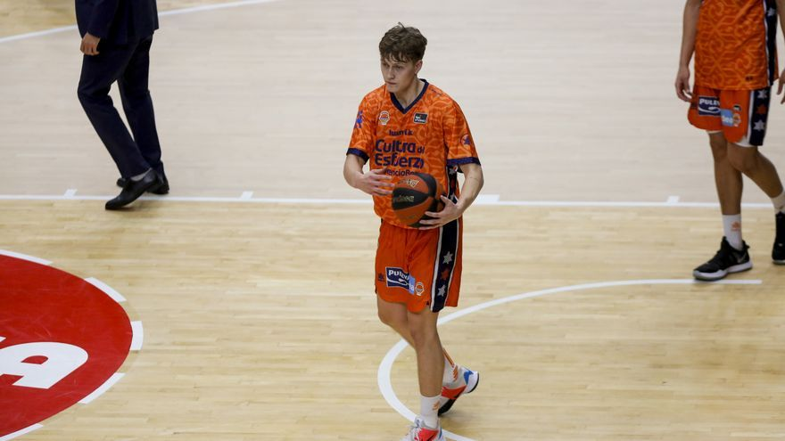 Hilmar Henningsson deja el Valencia Basket