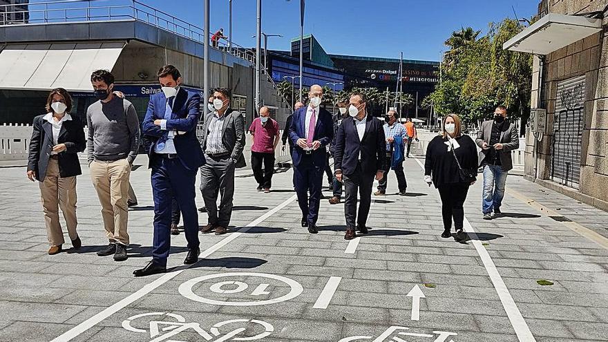 El Puerto concluye la reforma en el primer tramo del paseo de As Avenidas