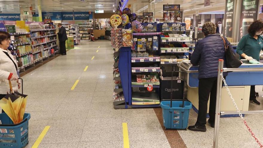 Els horaris per fer la compra en els supermercats durant la Setmana Santa