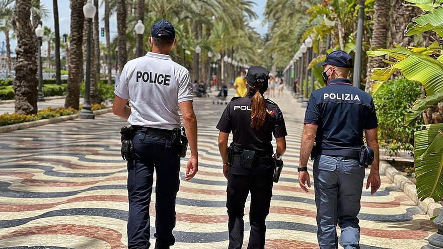 De patrulla multilingüe